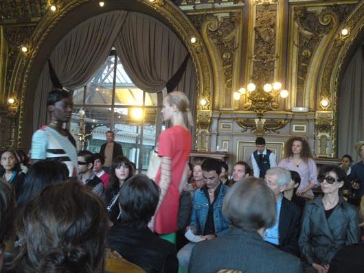 Impasse De La Defense _ Ouverture de la Fashion Week