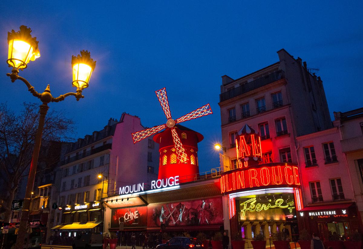 facade-moulin-rouge-2-lamp-moulin-rouge-d-duguet