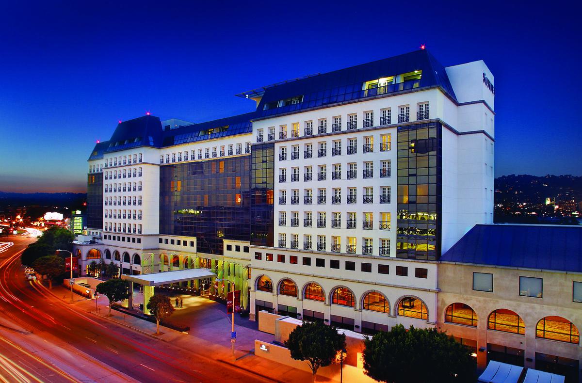 hotel-exterior-night